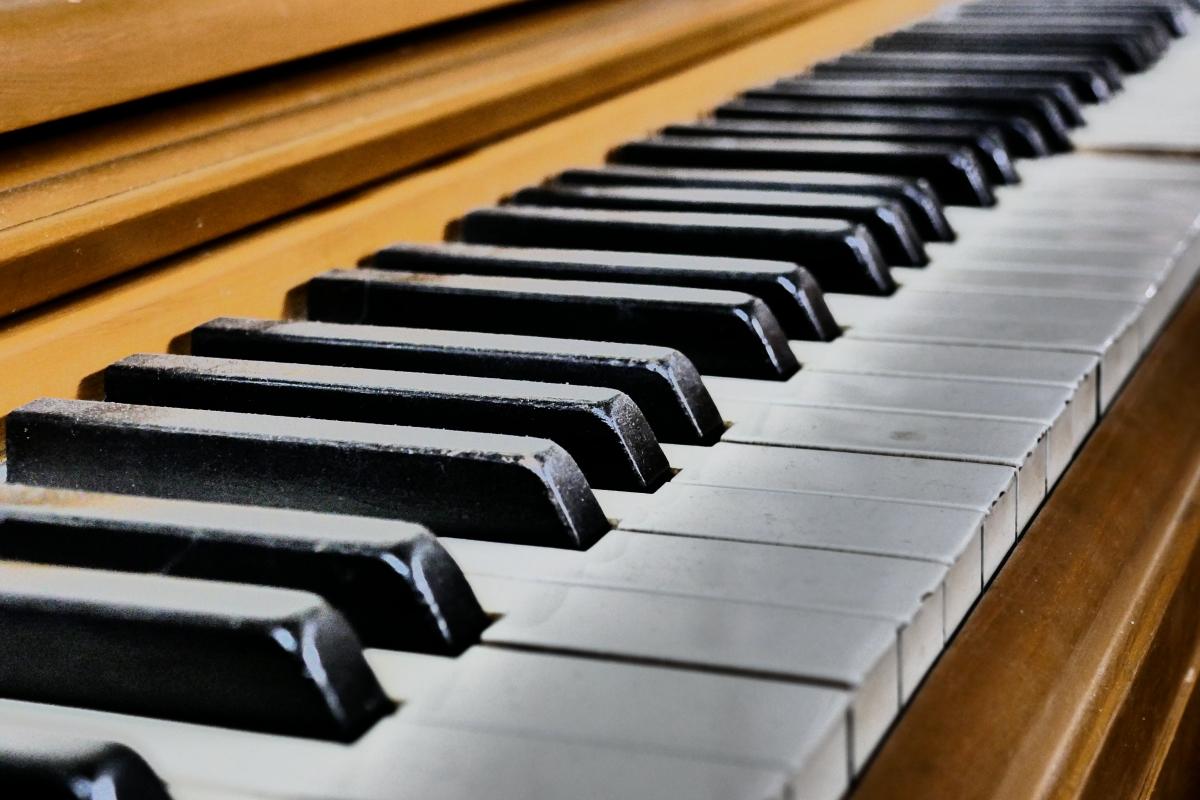 The three Best MINIMAL PIANO Albums of the Year: Bevig, Hanada andKosemura