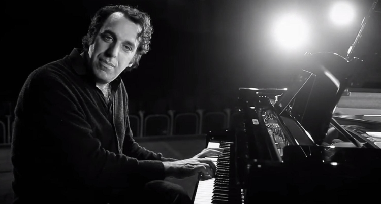 Chilly Gonzales 1 1300.jpg